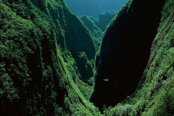 Природна симфонія: ліси і водоспади каньйону Тру де Фер (3)
