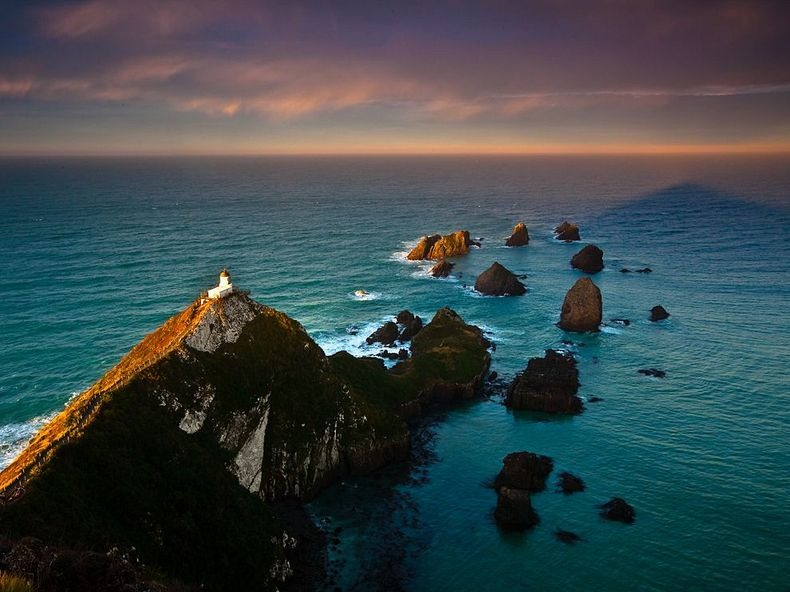 Маяк Наггет Поінт в Новій Зеландії (1)