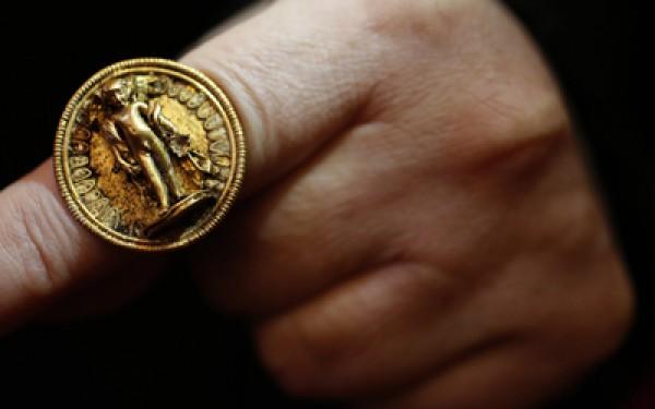 У Болгарії знайшли золото родини Олександра Македонського (1)
