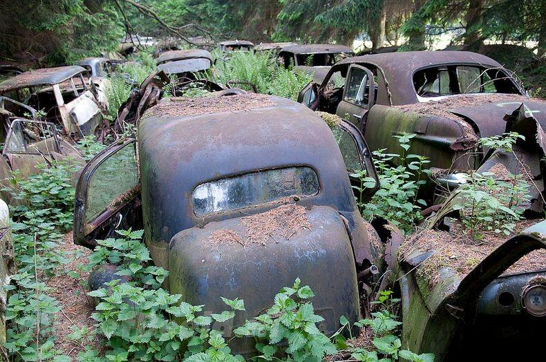 Цвинтар автомобілів Шатільйон (1)