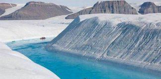 Синя ріка Гренландії (1)