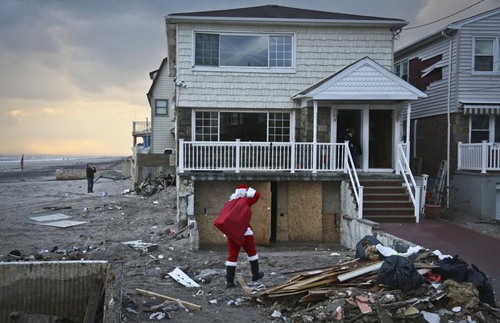 Санта Клауси всіх країн - єднайтеся! Передноворічні святкування в різних куточках світу (6)