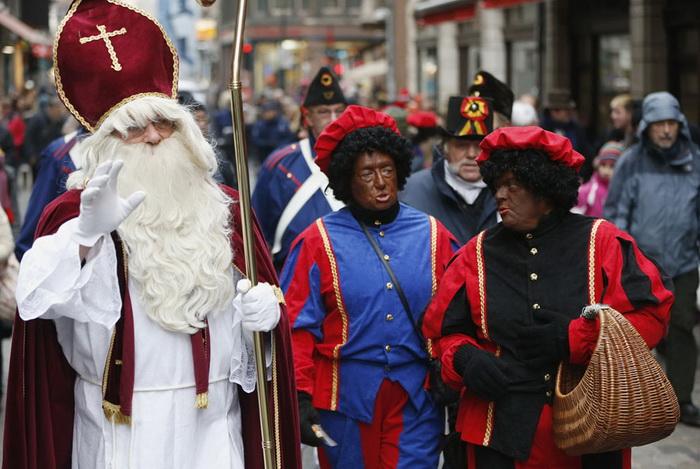 Санта Клауси всіх країн - єднайтеся! Передноворічні святкування в різних куточках світу (5)