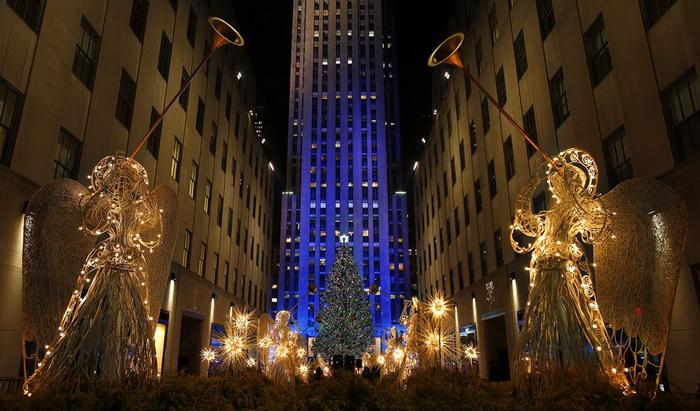 Санта Клауси всіх країн - єднайтеся! Передноворічні святкування в різних куточках світу (3)