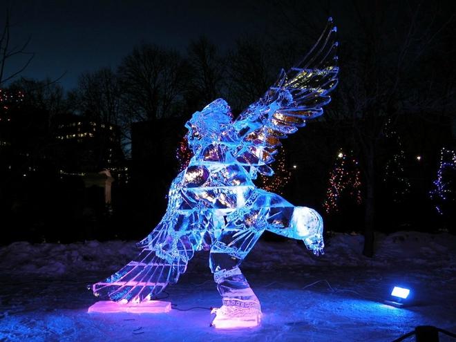 Вражаючі крижані скульптури (9)