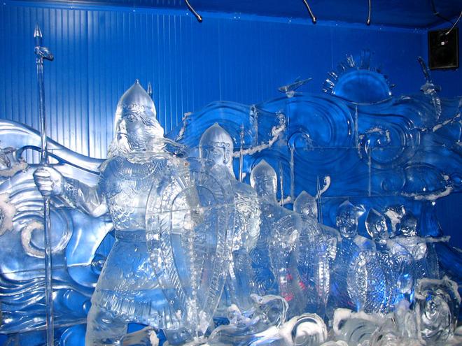 Вражаючі крижані скульптури (7)