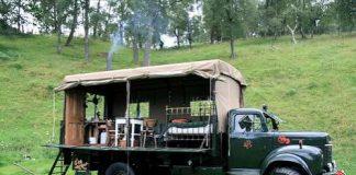 Екстремальний відпочинок в готелі-вантажівці (1)