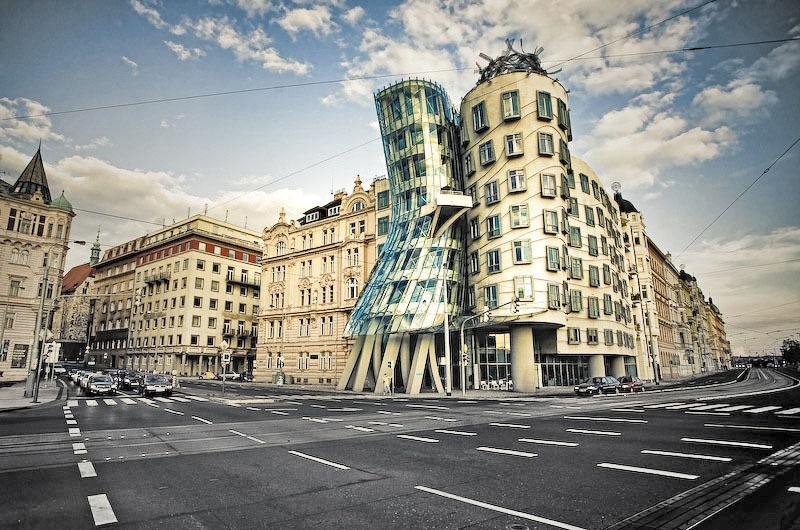 Топ-10 найбільш незвичайних будівель в світі