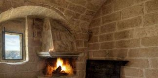 Готелі у печерному стилі (1)
