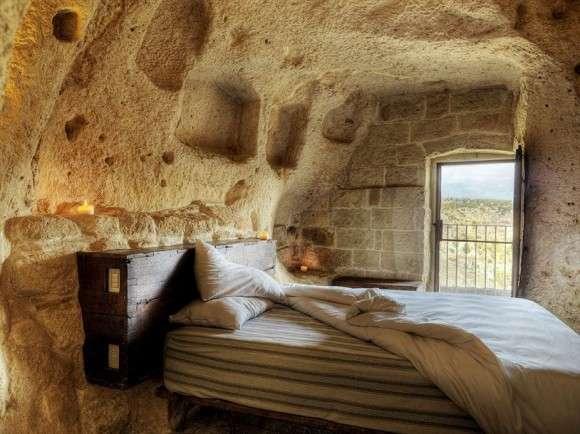 Готелі у печерному стилі (3)