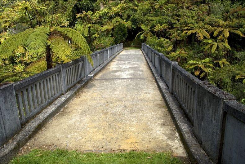 Міст в нікуди. Найбільш ізольований міст у світі (4)