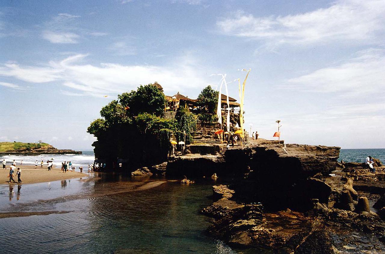 Танах Лот. Екзотичний храм (6)