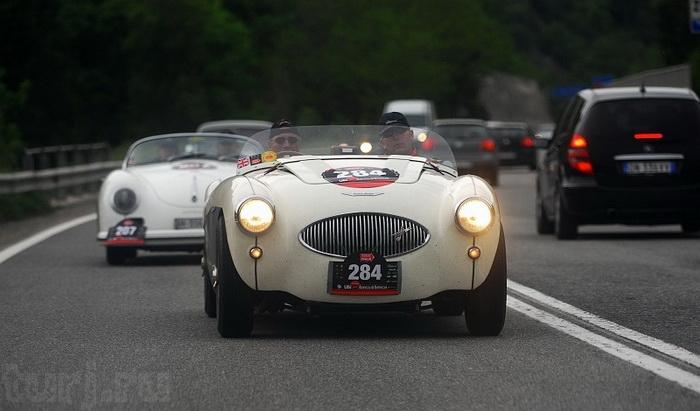 Італія: Mille Miglia - тисяча миль на ретро-автомобілі (7)