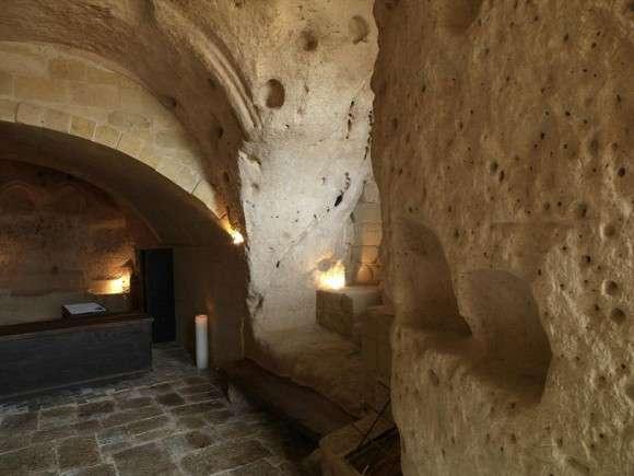 Готелі у печерному стилі (5)