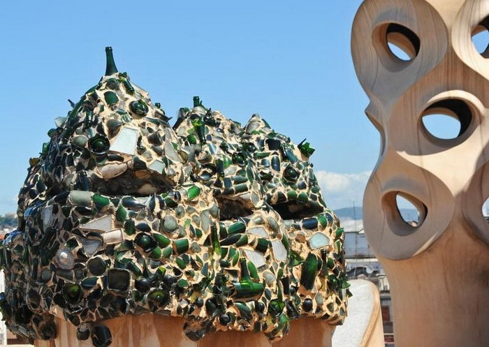 Хвилюючі склепіння будинку Каса Міла, побудованого архітектором Антоніо Гауді (3)