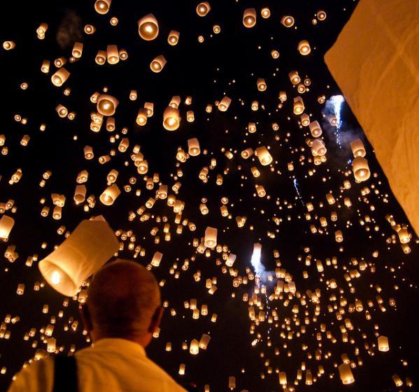 Фестиваль Лоі Кратонг в Таїланді (7)