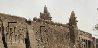 ТОП 10 унікальних стародавніх глиняних будівель світу (2)