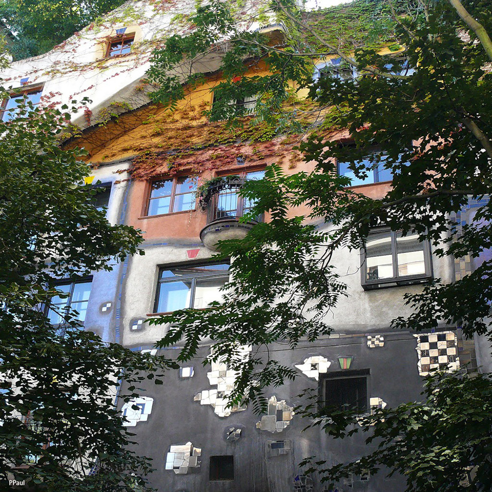 Унікальні казкові будинки від австрійського архітектора Фріденсрайха Хундертвассера (8)