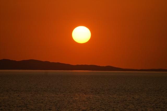 Озеро Рудольф. Найбільше у світі озеро посеред пустелі. (15)