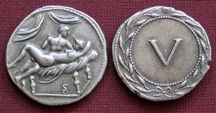 Стародавні монети з сексуальними сценами (4)