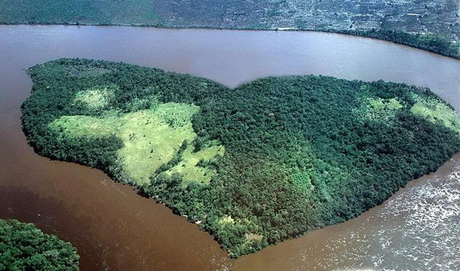 На річці Оріноко, Венесуела.