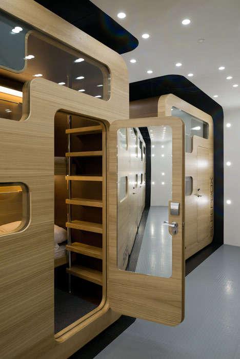 Готелі з ліжками-коробками (3)