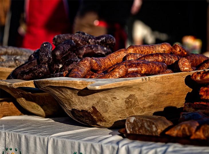 Смачний м'ясний фестиваль в Закарпатті (9)