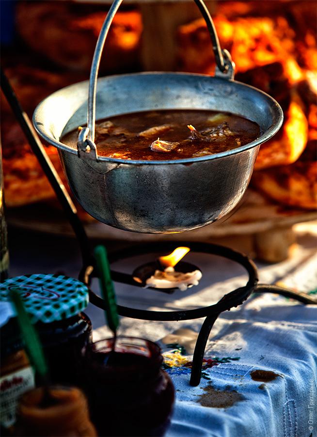 Смачний м'ясний фестиваль в Закарпатті (13)