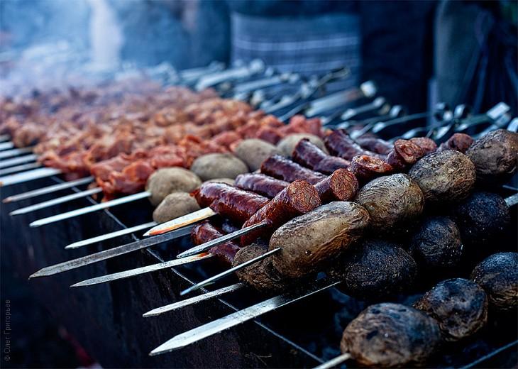 Смачний м'ясний фестиваль в Закарпатті (14)