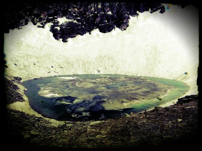 Озеро скелетів: шокуюча знахідка в індійських горах (2)