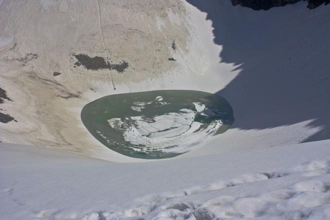 Озеро скелетів: шокуюча знахідка в індійських горах (4)
