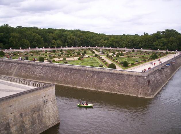 Вишуканий та елегантний, витончений і романтичний замок Шенонсо, або «дамський замок» (3)