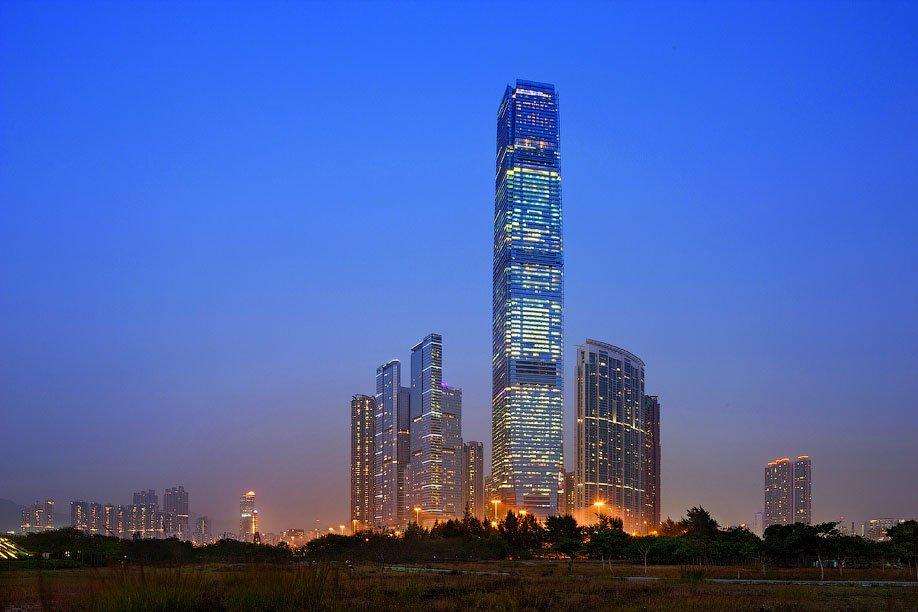 Найвищий готель у світі - Ritz Carlton (1)