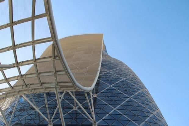 Ворота Столиці. Падаюча вежа Абу-Дабі (6)