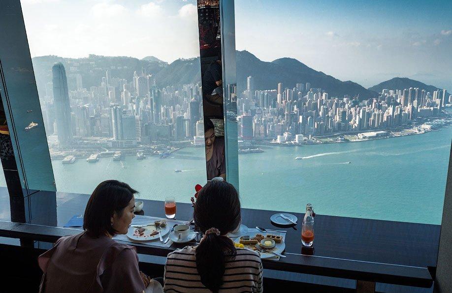 Найвищий готель у світі - Ritz Carlton (9)