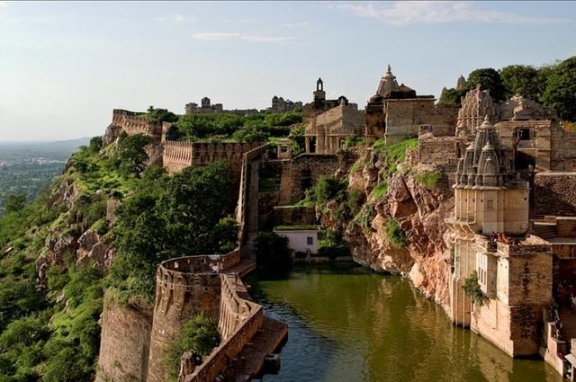 Індійський форт Чітторгарх (1)