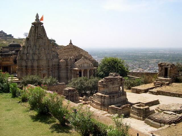 Індійський форт Чітторгарх (2)