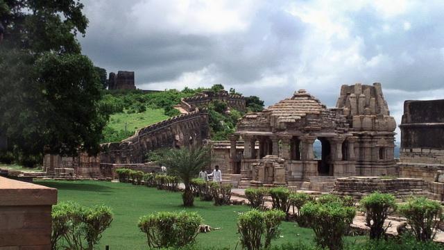 Індійський форт Чітторгарх (9)