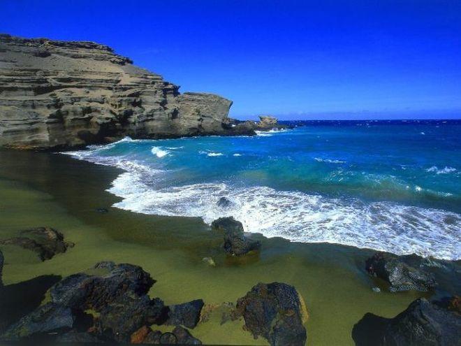 Зелений пляж Папаколея