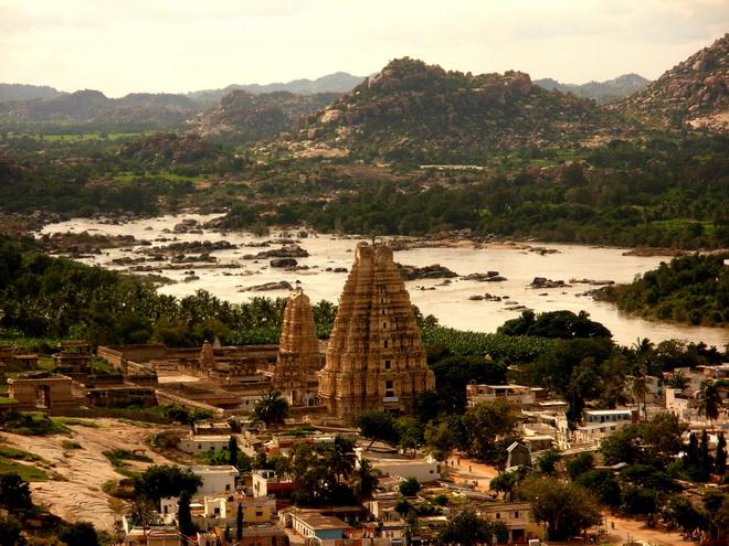 Руїни стародавнього міста Віджаянагара, Індія (7)