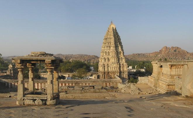 Руїни стародавнього міста Віджаянагара, Індія (4)