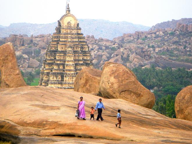 Руїни стародавнього міста Віджаянагара, Індія (3)