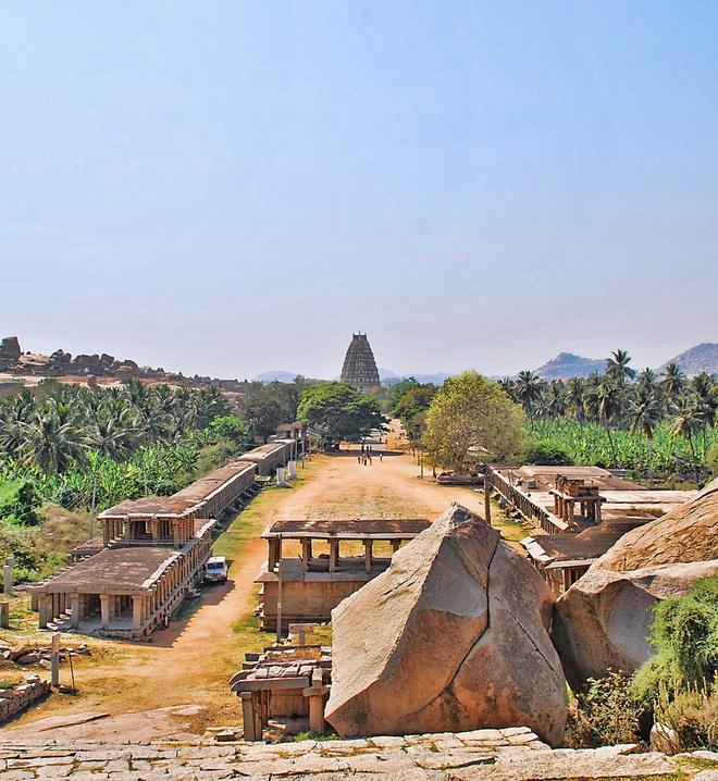 Руїни стародавнього міста Віджаянагара, Індія (2)