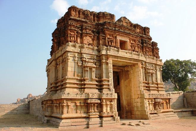 Руїни стародавнього міста Віджаянагара, Індія (11)