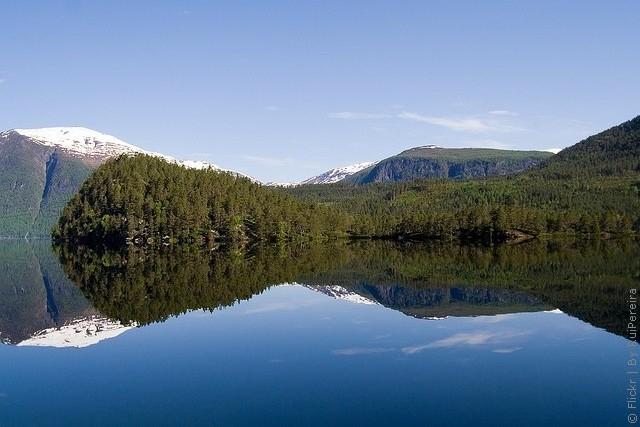 Одне з найкрасивіших озер світу, озеро Хорніндальсватнет (6)