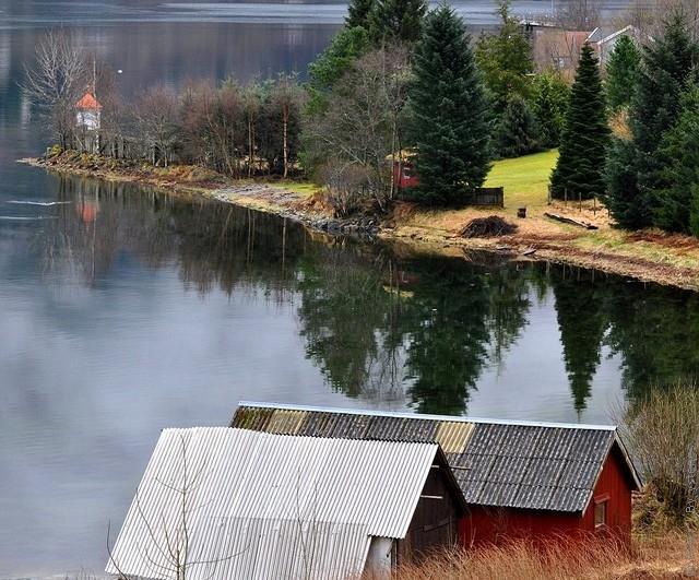 Одне з найкрасивіших озер світу, озеро Хорніндальсватнет (8)