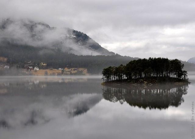 Одне з найкрасивіших озер світу, озеро Хорніндальсватнет (13)