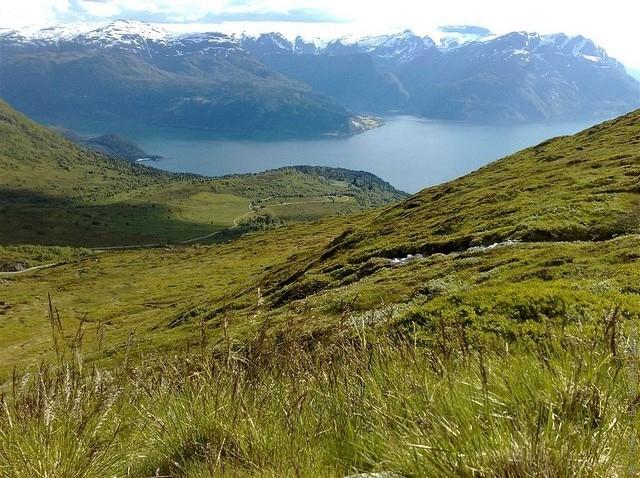 Одне з найкрасивіших озер світу, озеро Хорніндальсватнет (16)