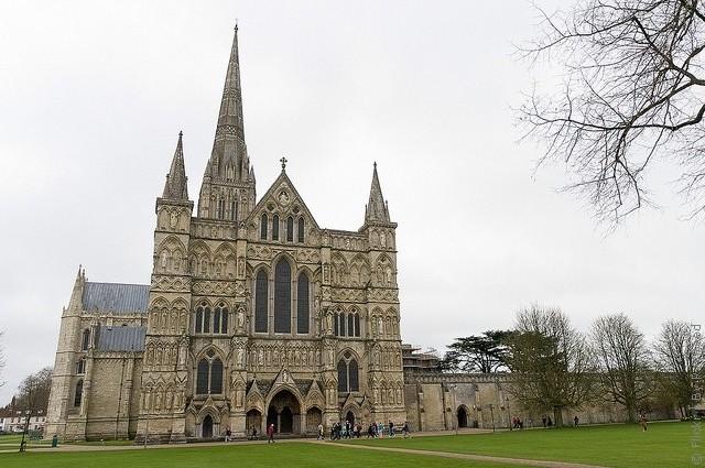 Солсберійський собор, одна з найстаріших релігійних пам'яток Великобританії (3)