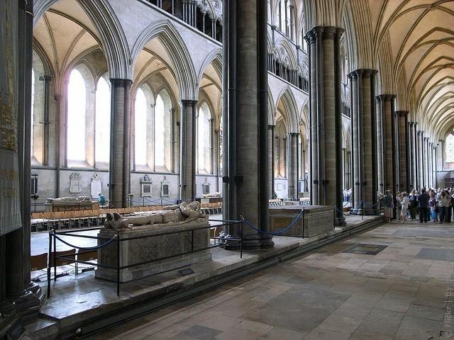 Солсберійський собор, одна з найстаріших релігійних пам'яток Великобританії (7)